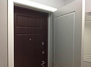Установка подвійних вхідних дверей