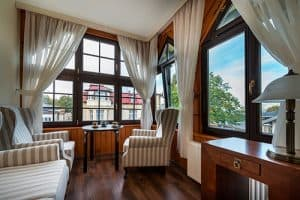 Гарні вікна з дерева